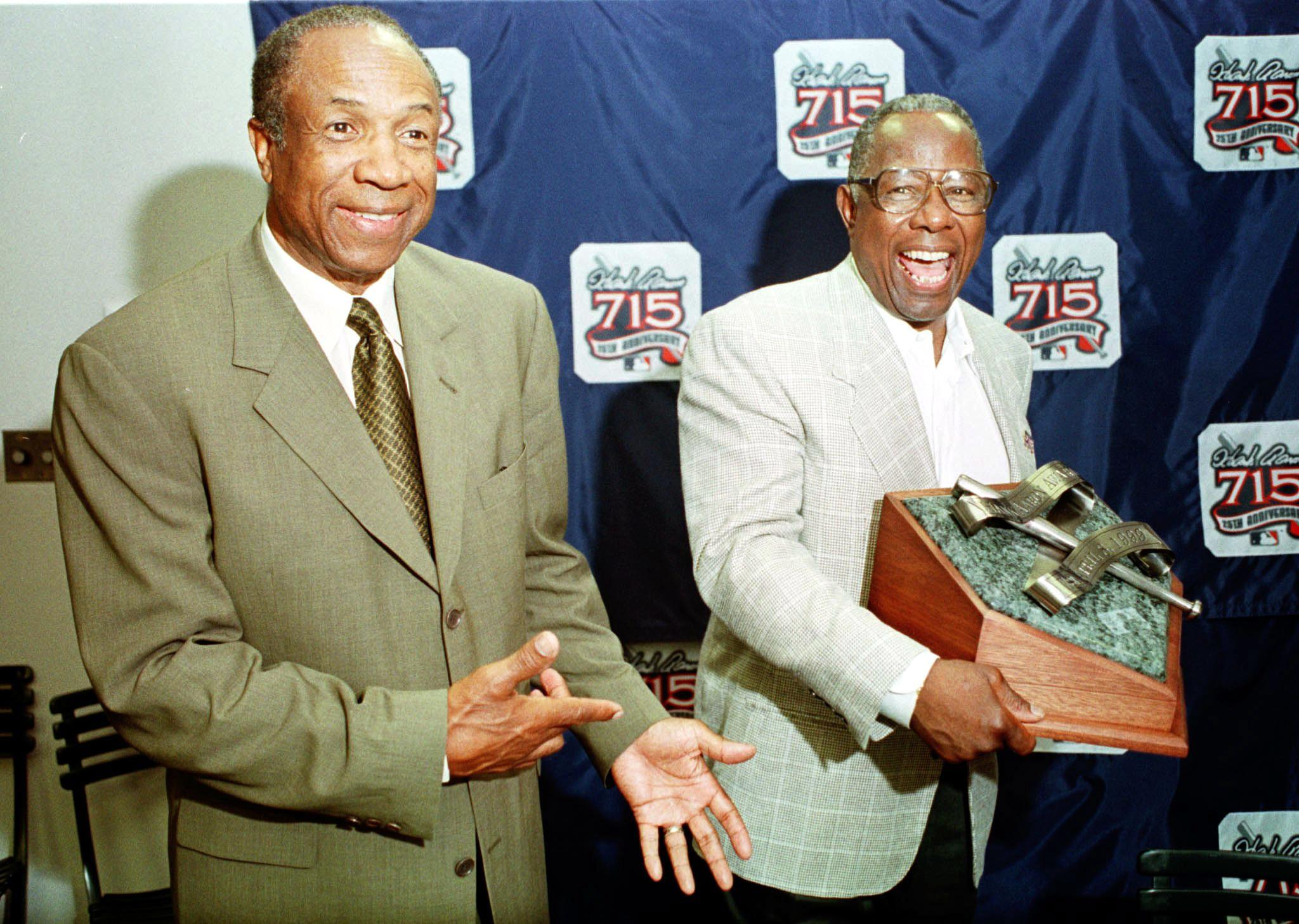 frank robinson remembered by hank aaron