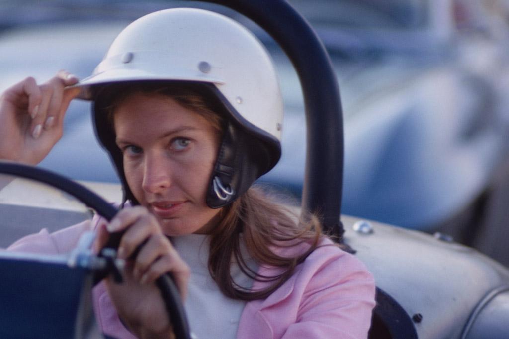 janet guthrie female sports pioneer in NASCAR