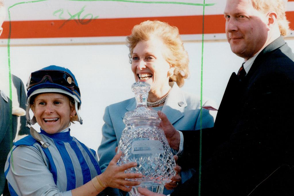 julie krone female sports pioneer horse racing