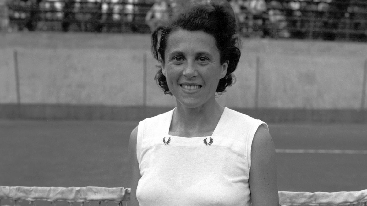 zsuzsa kormoczy at the french open where she became the oldest female winner in 1958