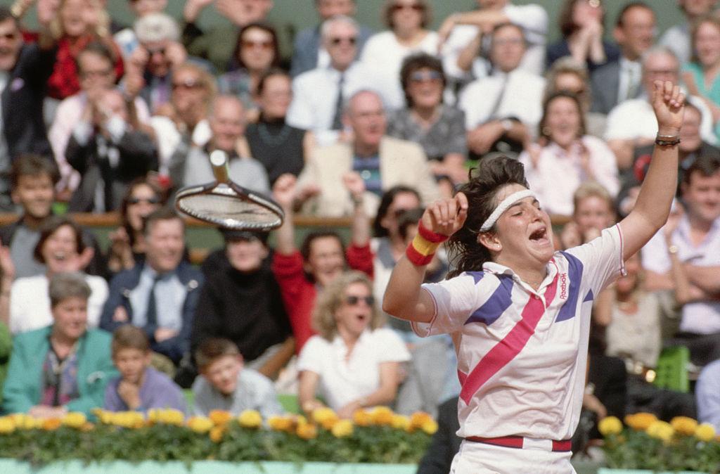 1989: Arantxa Sanchez Vicario def. Steffi Graf  7-6 (6), 3-6, 7-5