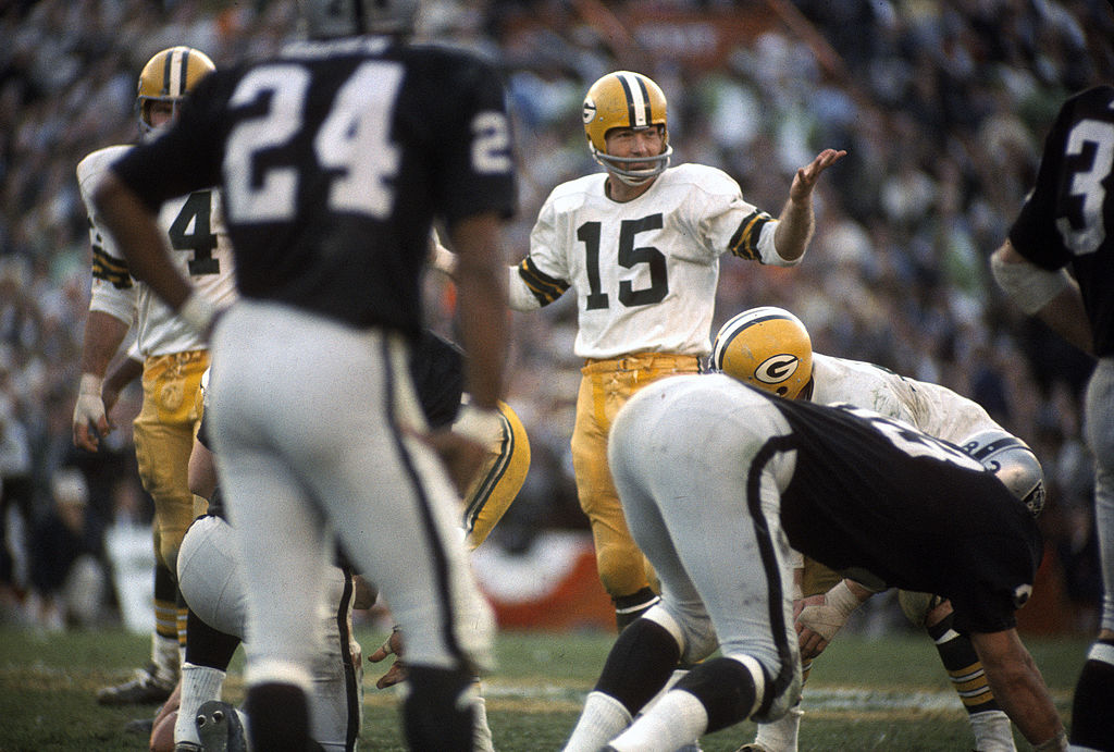 bart starr won three championships in a row making him the only qb in history to accomplish the feat