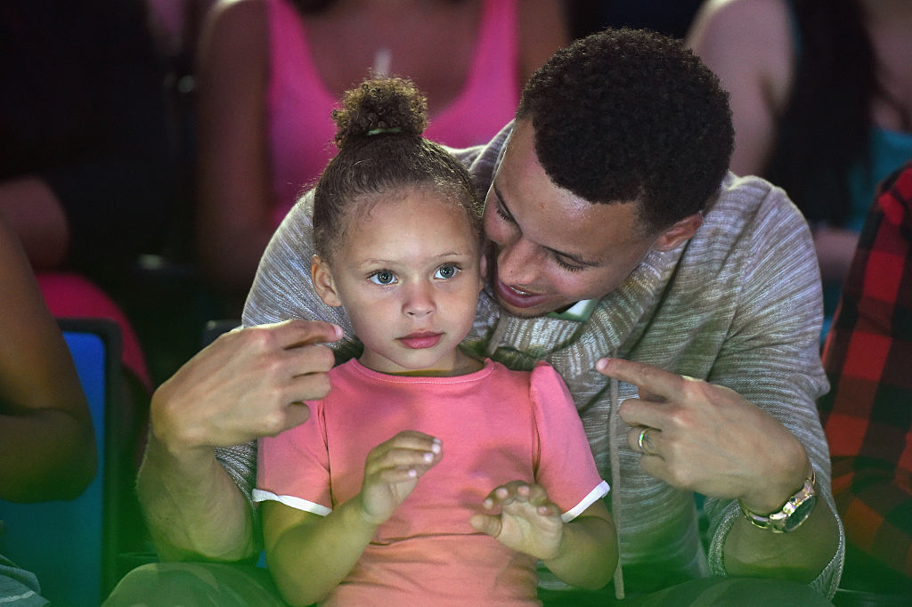 steph and riley curry playing together