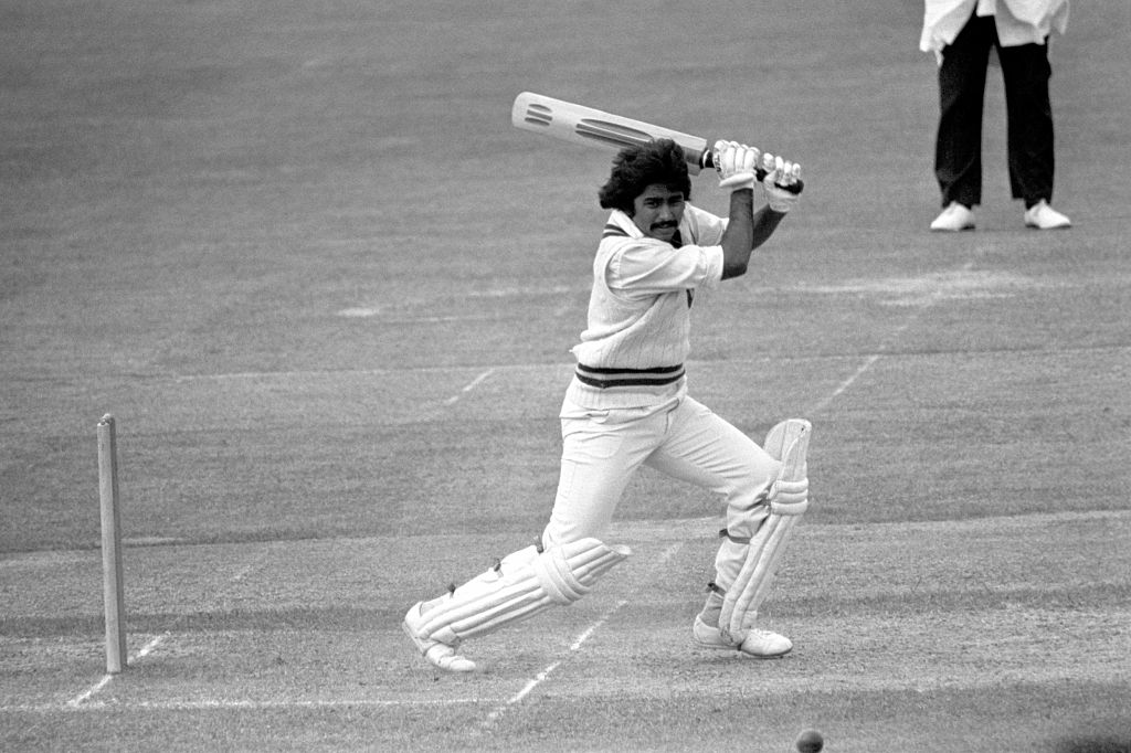 Javed Miandad protecting the wickets