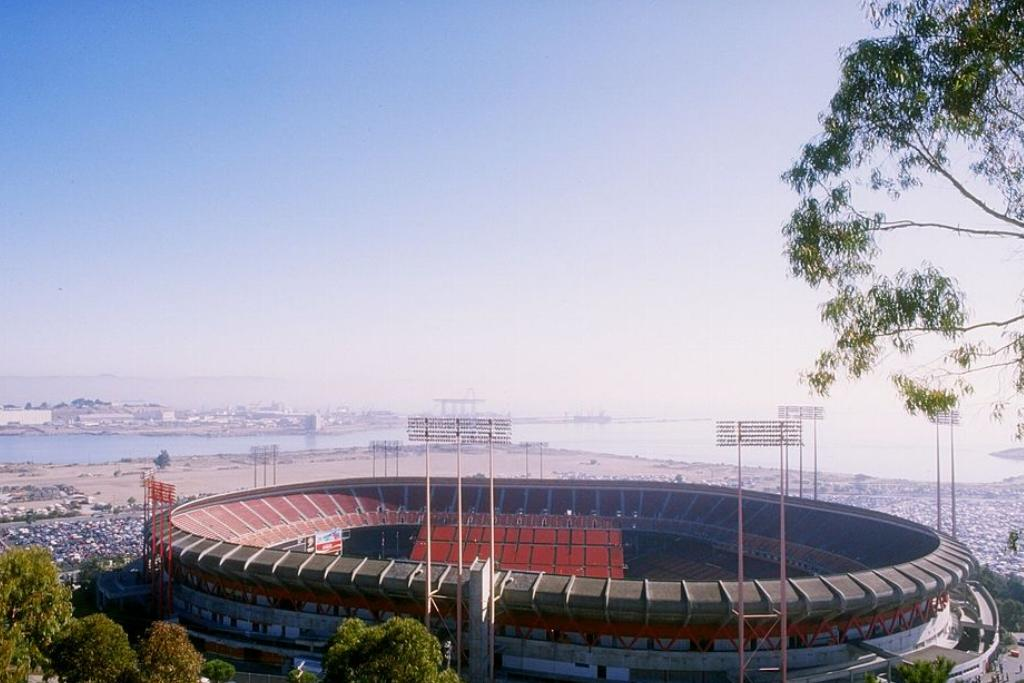candlestick park abandoned and demolished