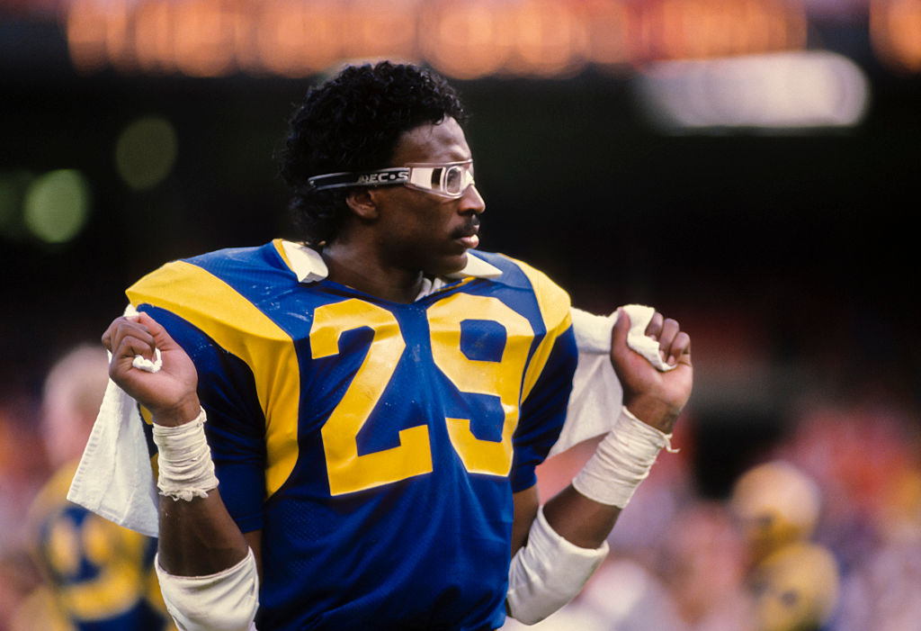 Eric Dickerson #29 of the Los Angeles Rams waits on the sidelines a National Football League game against the Houston Oilers played on December 17, 1984 at Anaheim Stadium in Anaheim-481823708