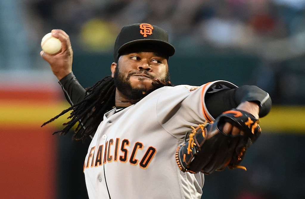Johnny Cueto #47 of the San Francisco Giants delivers a first inning pitch against the Arizona Diamondbacks at Chase Field on May 12, 2016 in Phoenix, Arizona-531108214