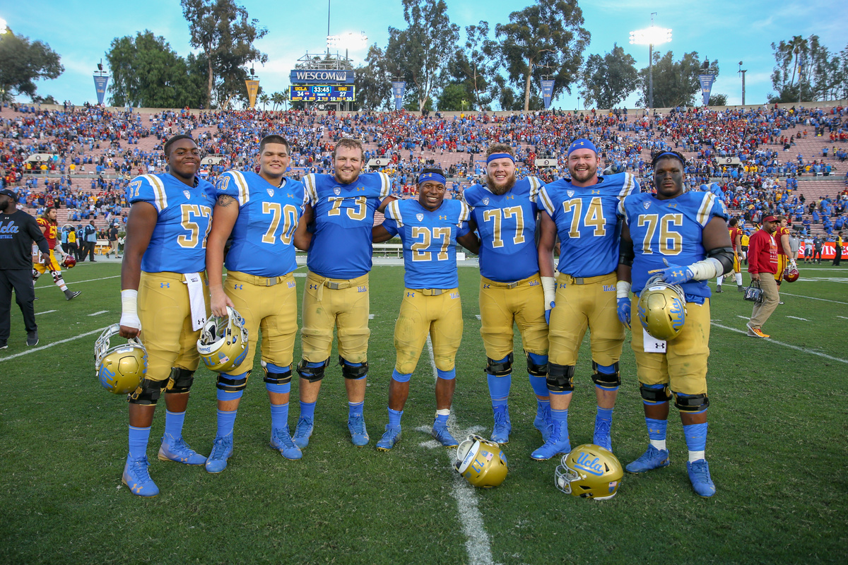 COLLEGE FOOTBALL: NOV 17 USC at UCLA