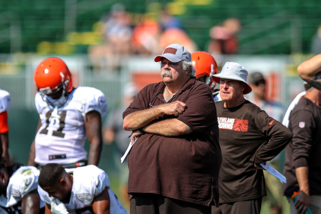 Cleveland Browns offensive line coach Bob Wylie during drills during the Cleveland Browns Training Camp
