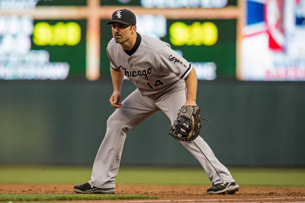 Paul Konerko #14 of the Chicago White Sox fields in 2014