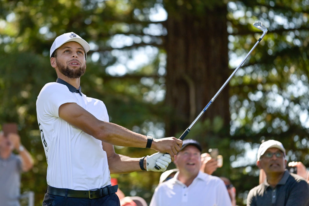 stephen curry is an avid golfer