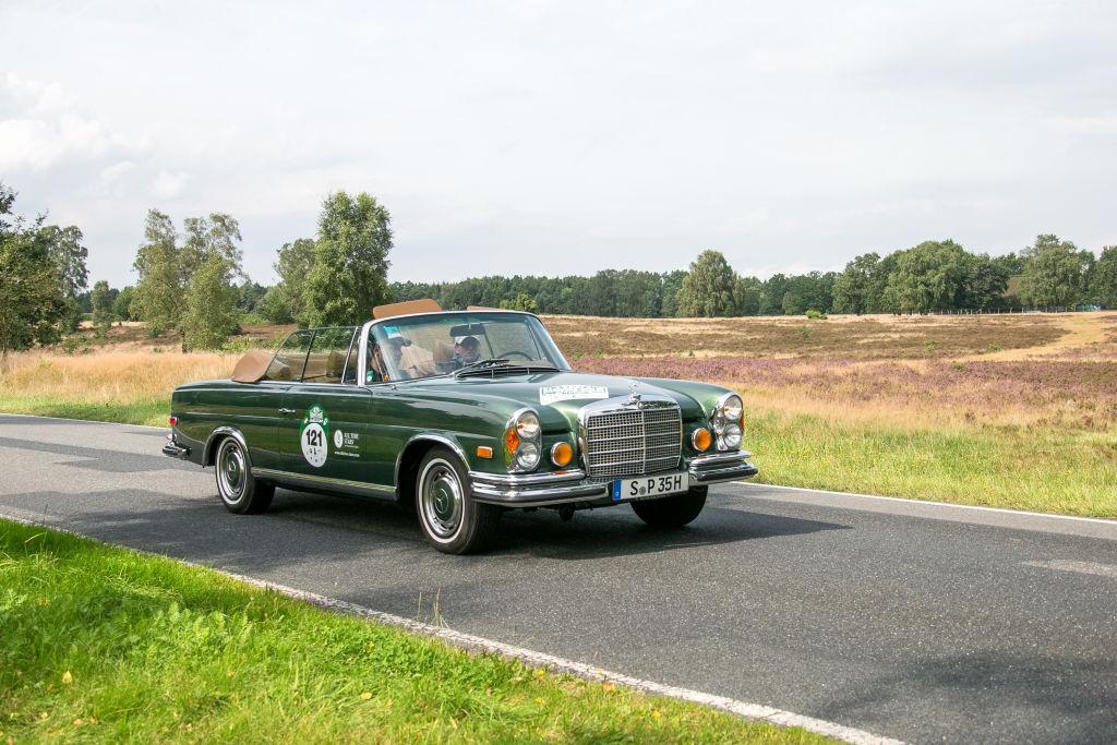 Green Mercedes 280 SE