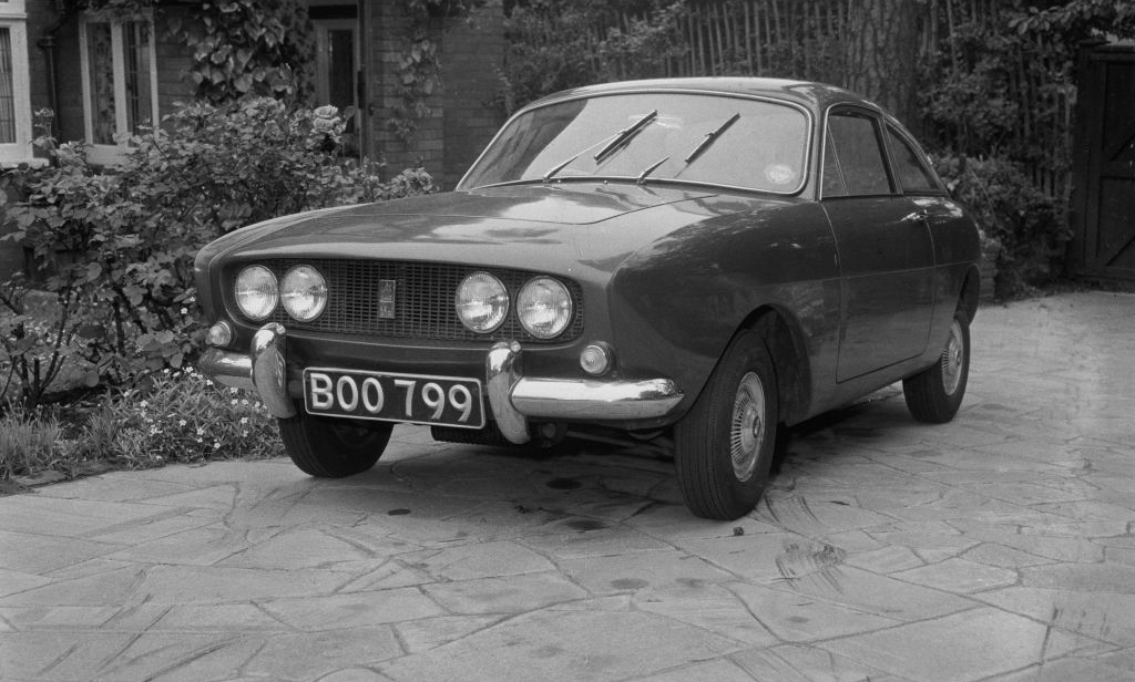 Black and white photo of Ogle mini -1067855756