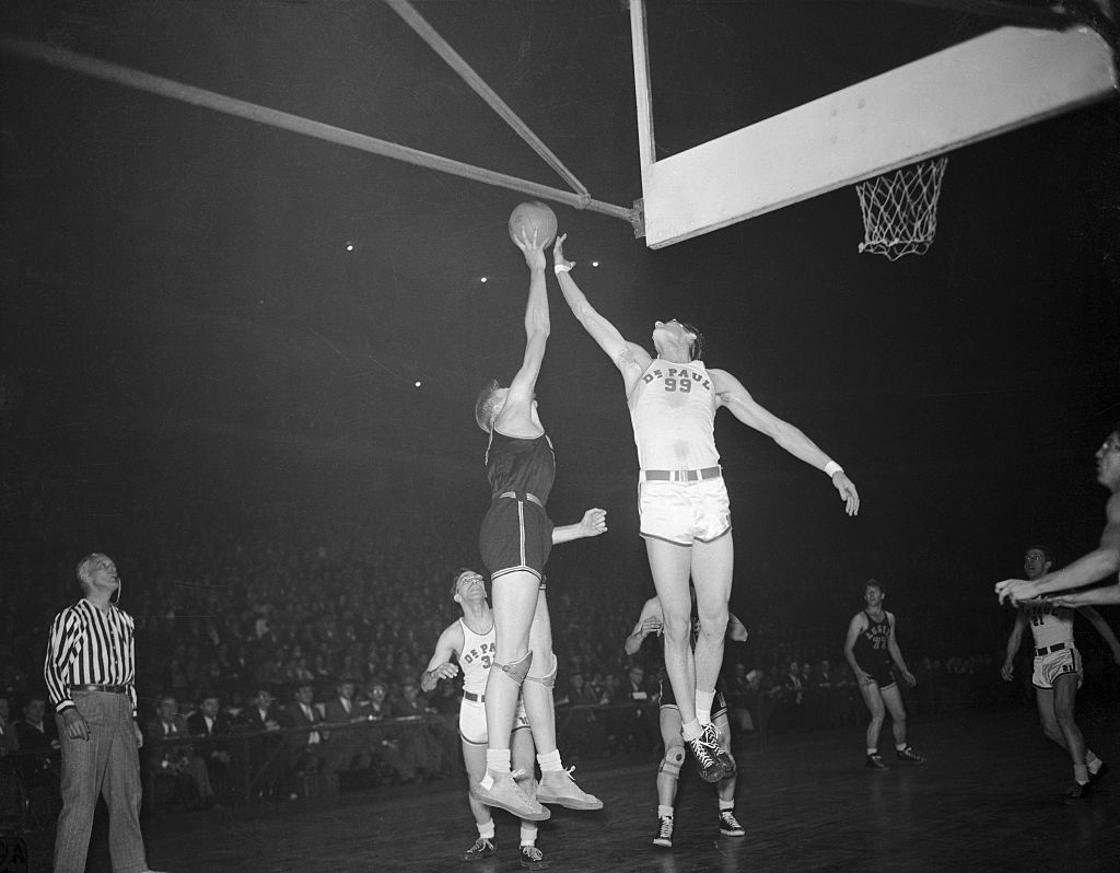 George Mikan And Tall Baskets - 515425772