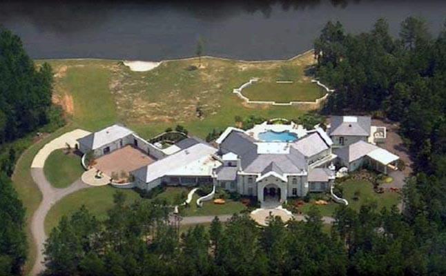 An aerial view shows Brett's mansion.