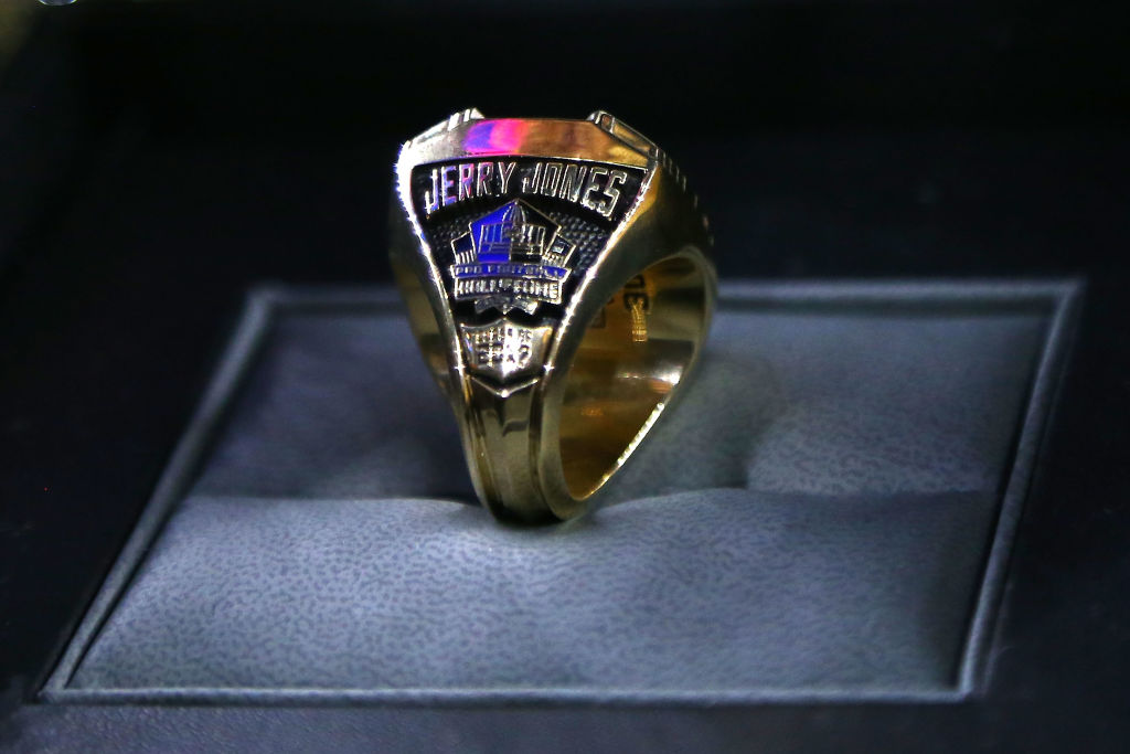 jerry jones hall of fame ring