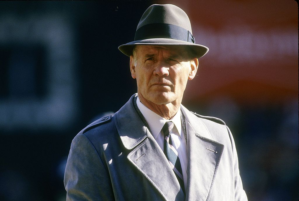 tom landry on the cowboys sideline