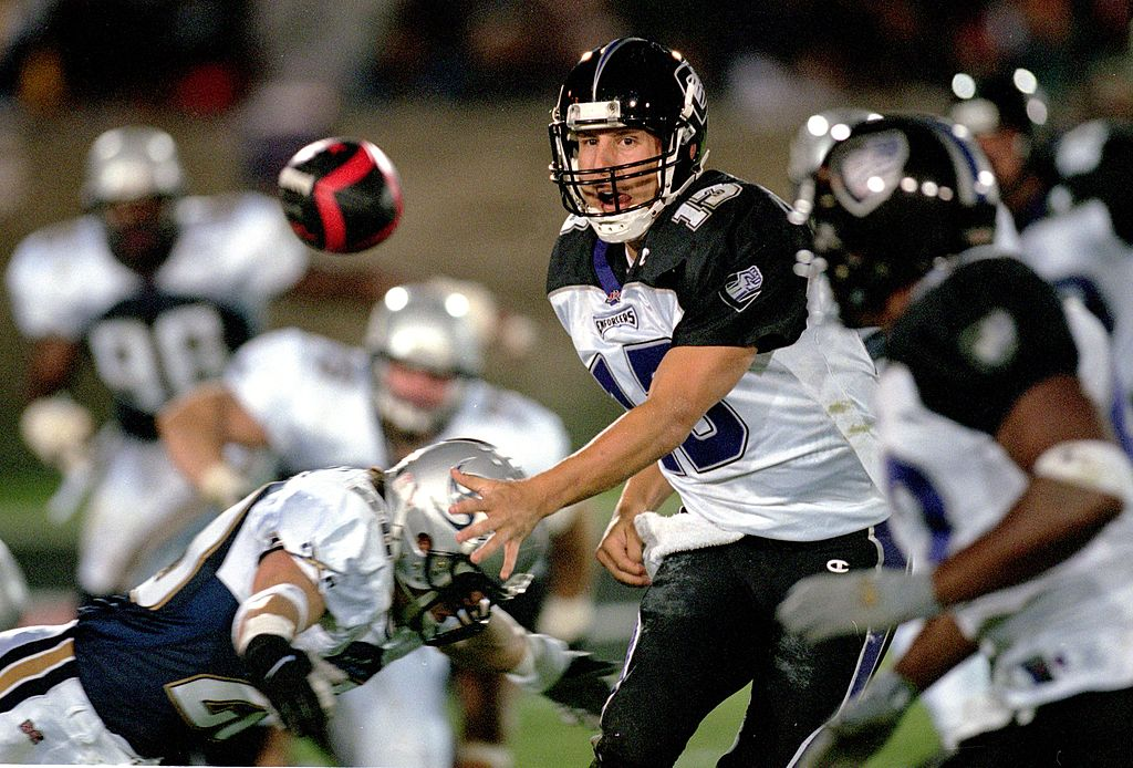 xfl qb throwing the ball