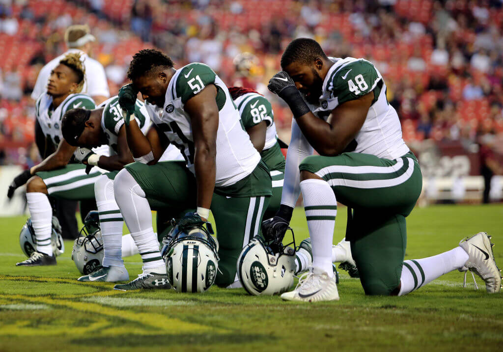 kneeling players