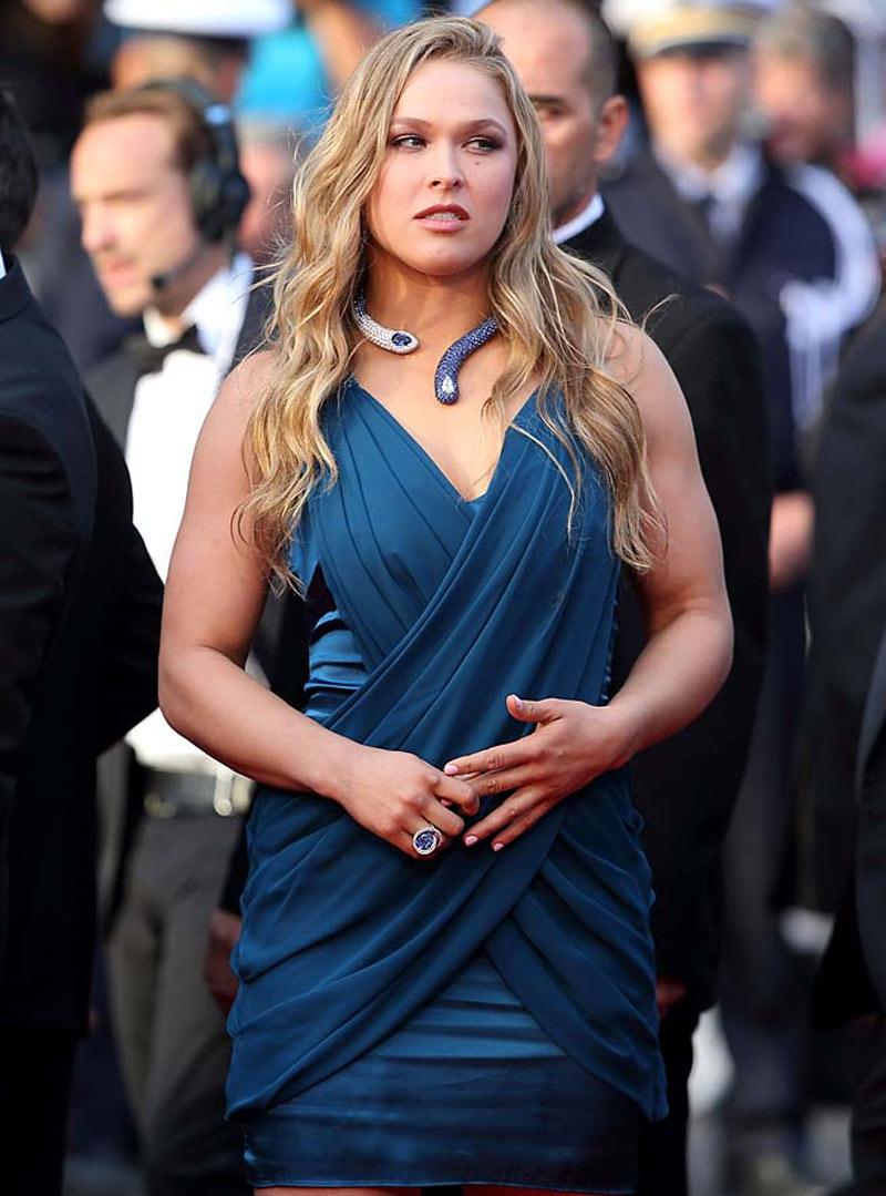 Ronda in blue dress