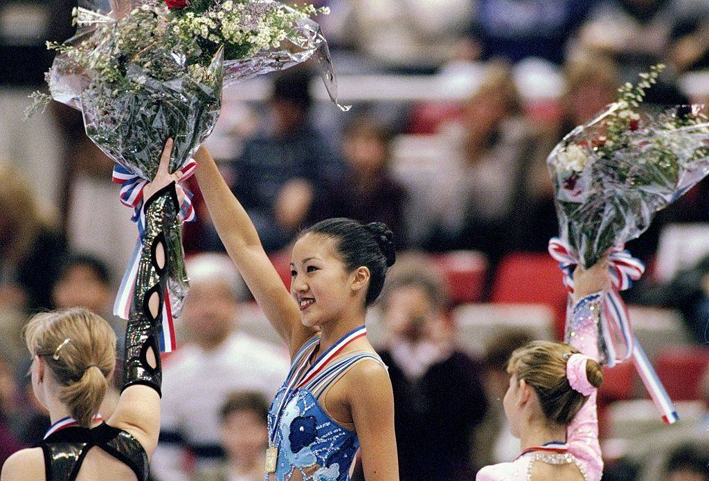 michelle kwan holding flowers