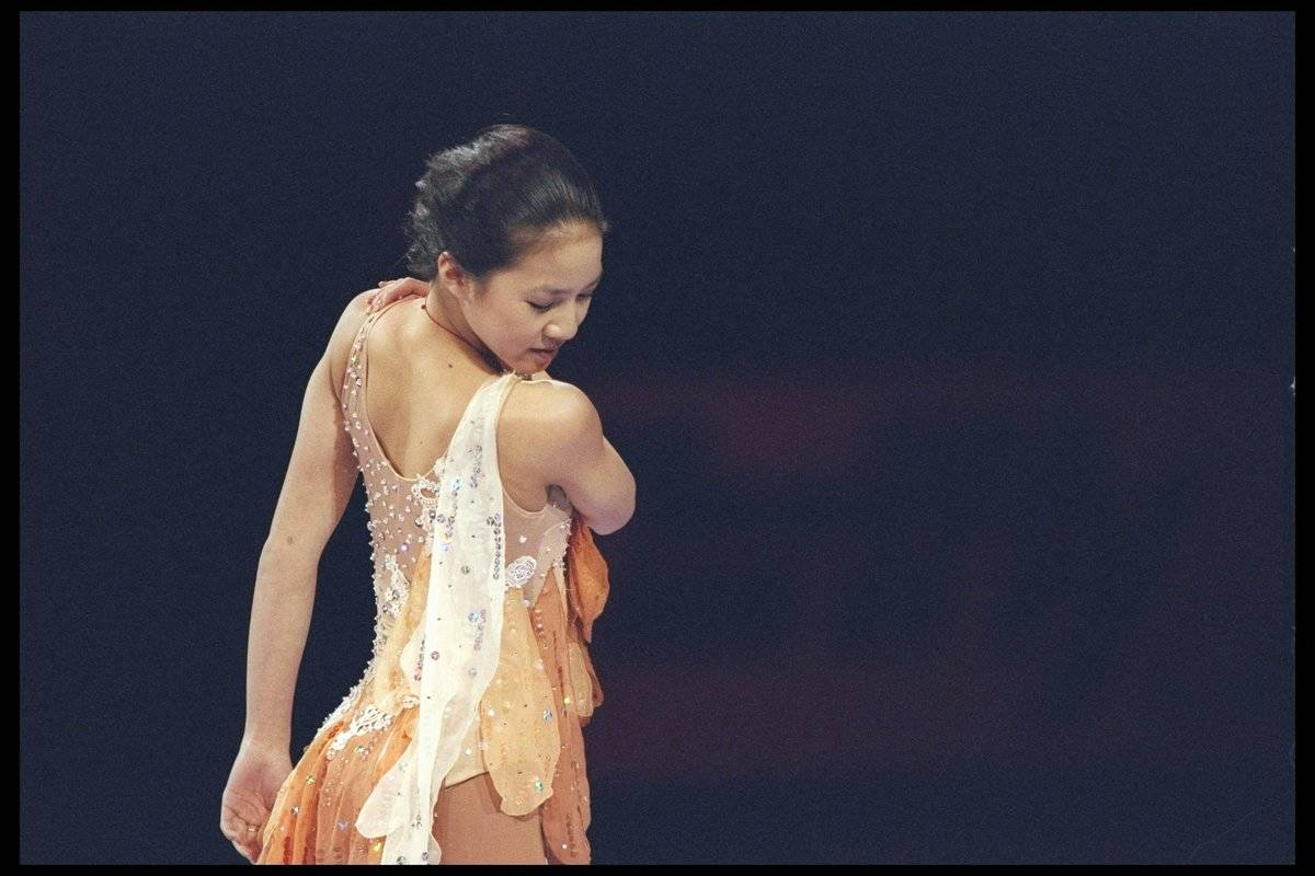 michelle kwan with her back turned