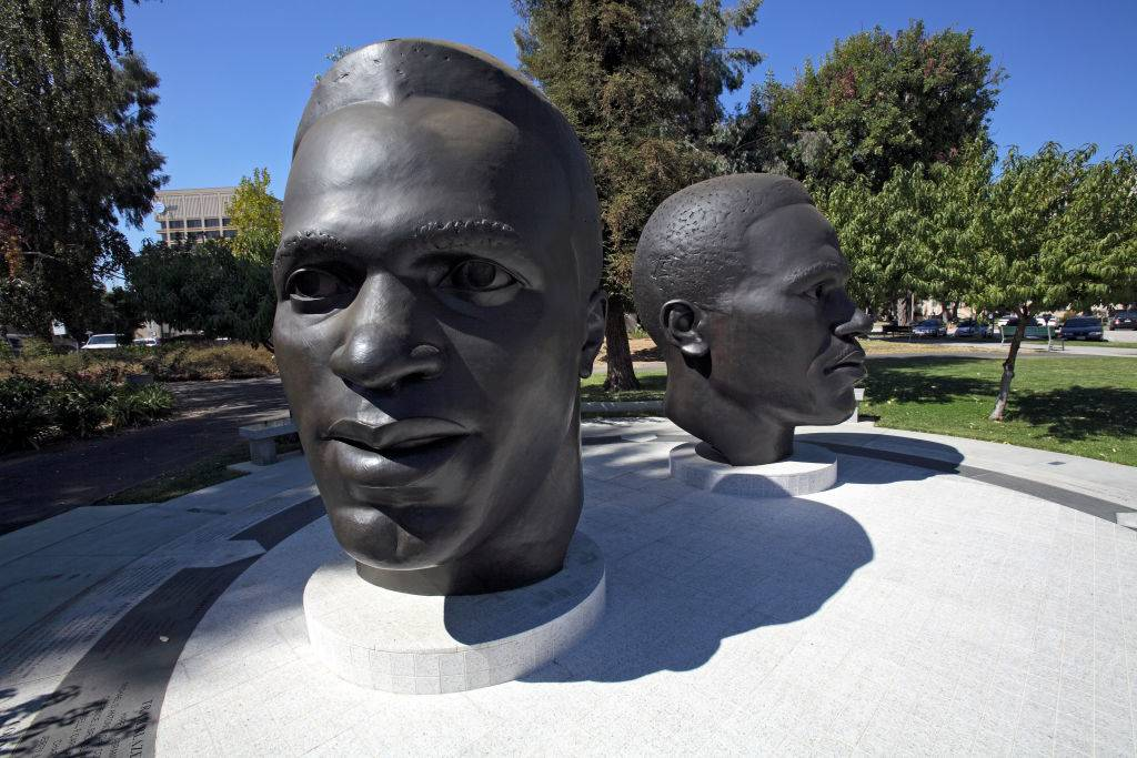 robinson brother statues
