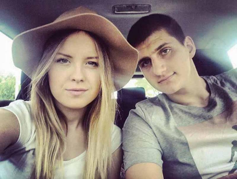 Nikola Jokic in car