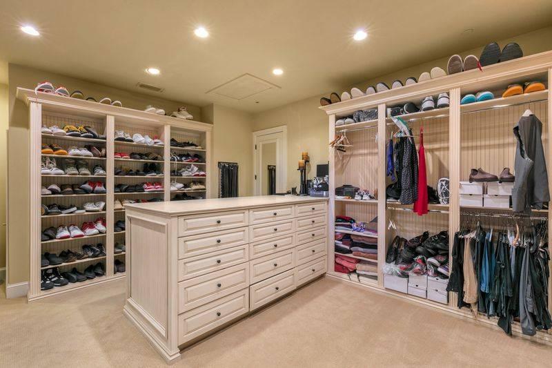 shaq-closet