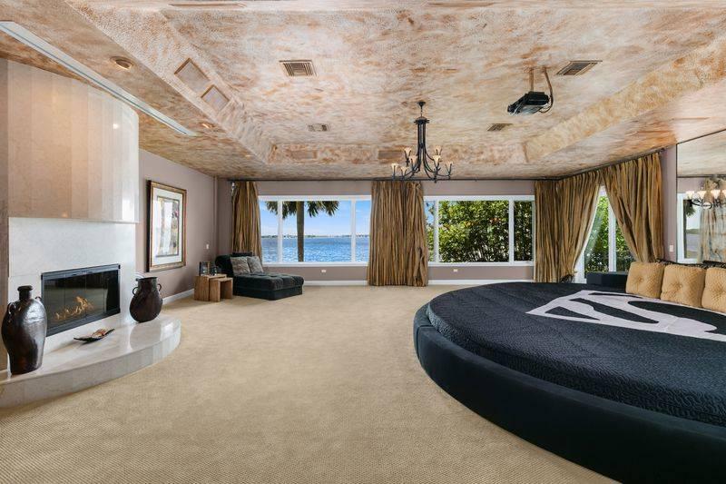 shaq-master-bedroom
