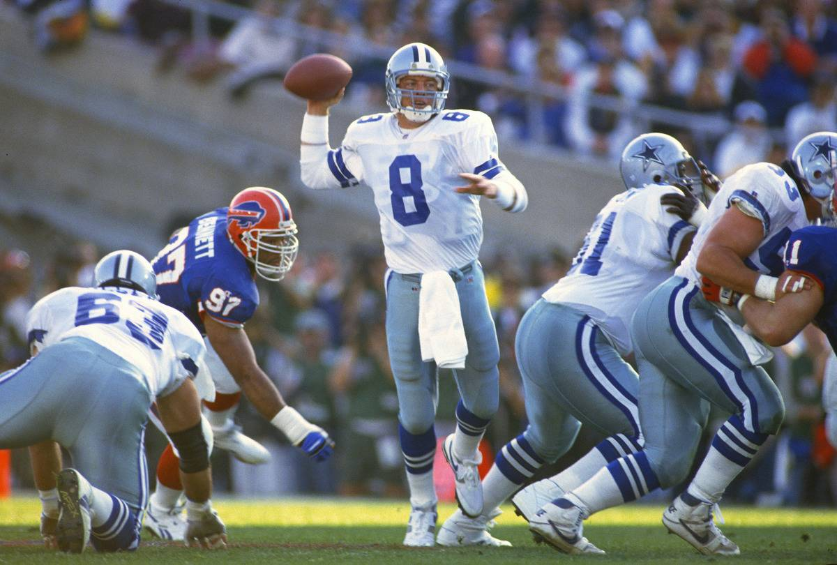 troy aikman playing football