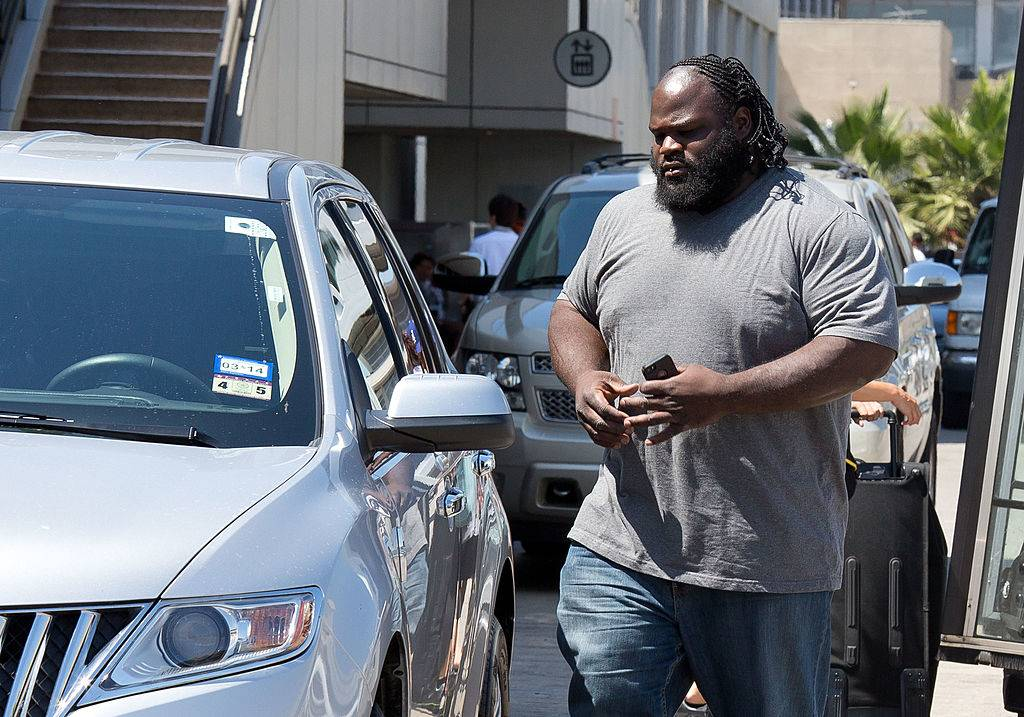 Mark Henry getting into a car