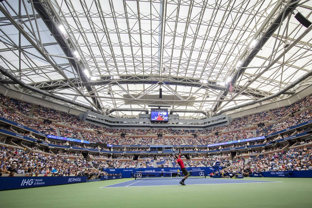 The Roof On Ashe Stadium Makes Its Debut