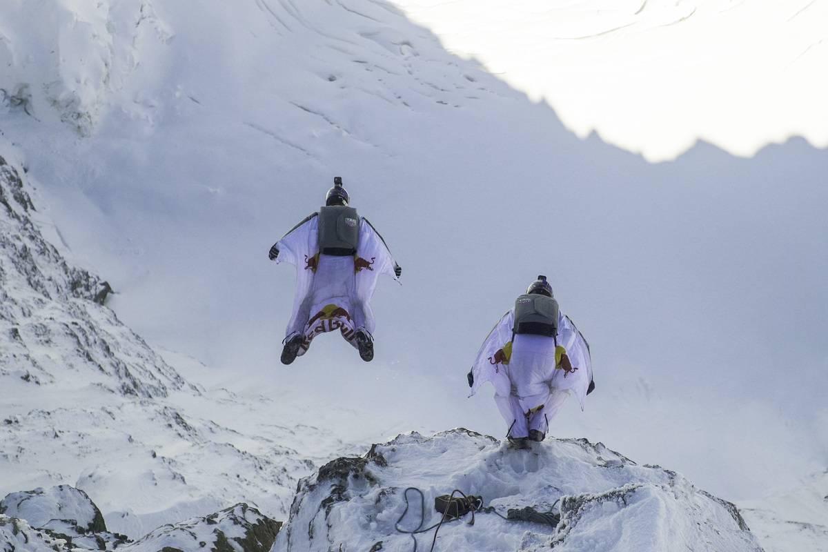 Wingsuit Flyers in Switzerland dangerous sports