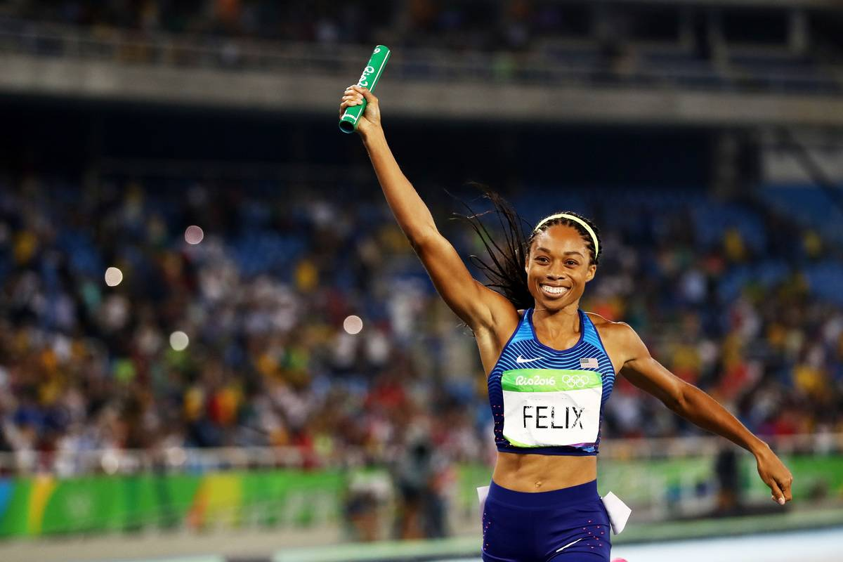 Allyson Felix wins the gold at the 2016 Olympics.