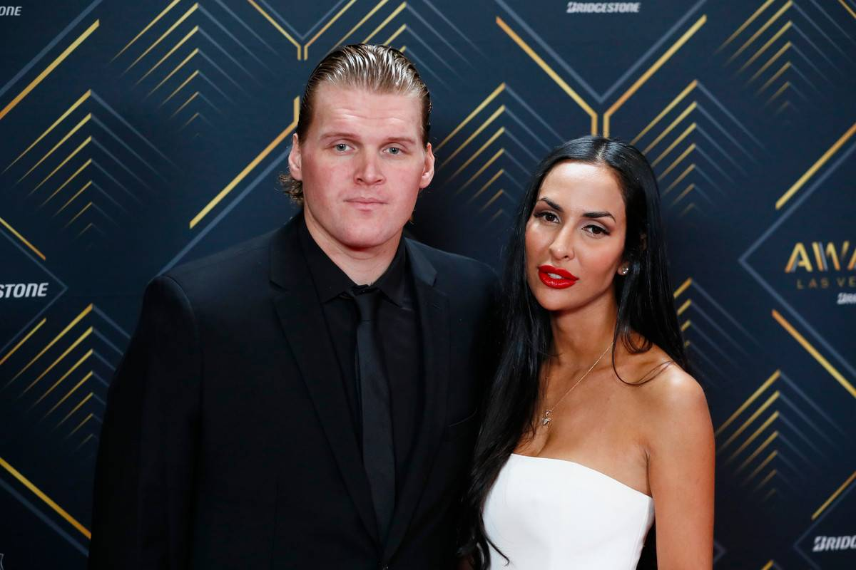 Donya and Robin pose as the 2019 NHL Awards.
