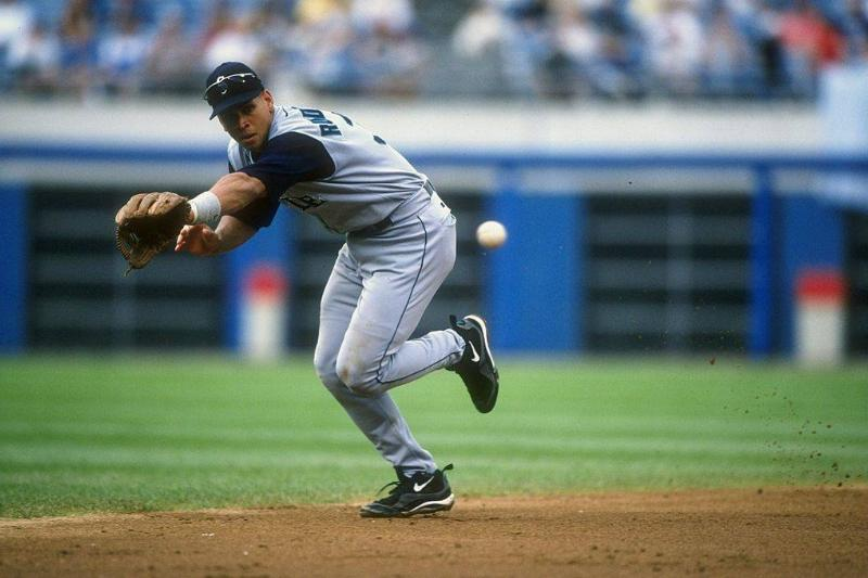 Alex Rodriguez #3 of the Seattle Mariners runs to catch during a game against the Chicago White Sox in 1998