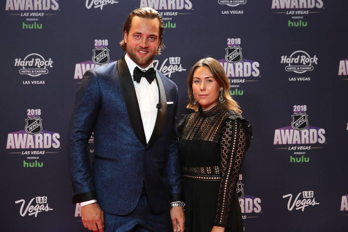 Victor and Sanna pose at the 2018 NHL Awards.