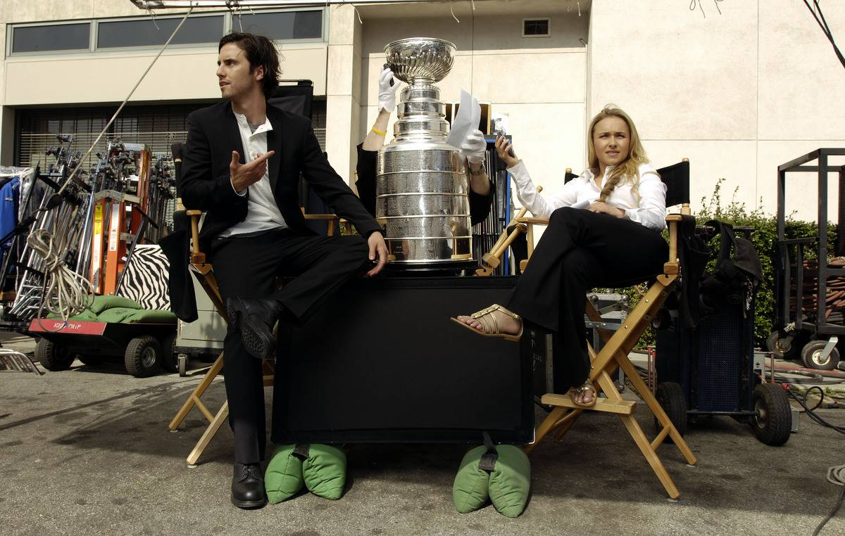 Hayden Panettiere poses with the Stanley Cup on the set of