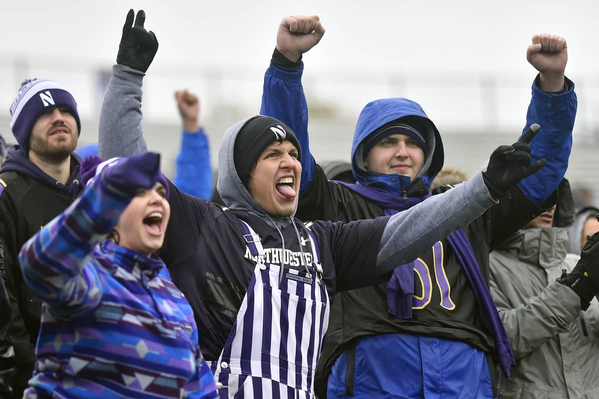 COLLEGE FOOTBALL: NOV 18 Minnesota at Northwestern